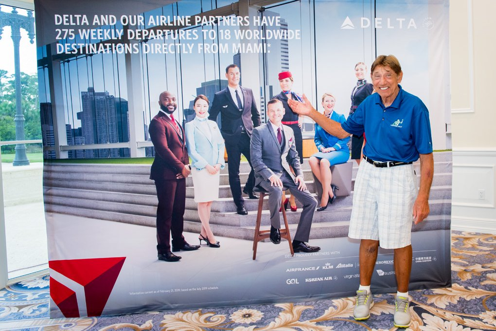 Joe Namath with Delta Airline