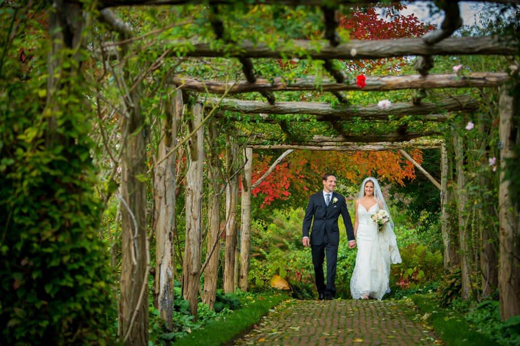 Bride and groom at Old westbury Gardens