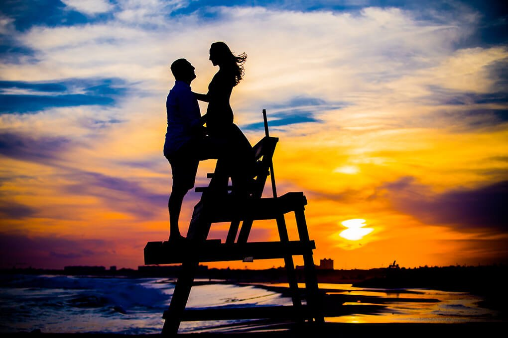 Engaged couple Beach silhouette